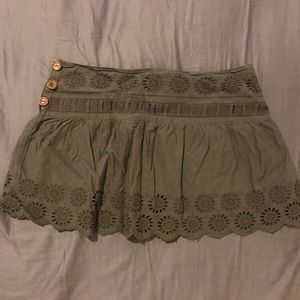 Mini skirt, with embroidery